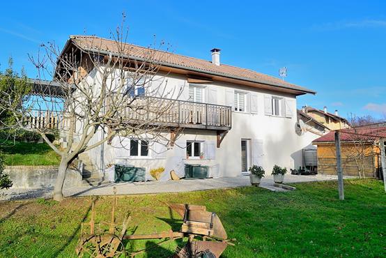 Maison individuelle proche de l'accès autoroutier avec 1.800m² de terrain - photo 1