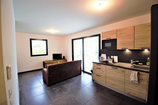 Appartement T2 neuf avec extérieur de 150m² dans une résidence haut de gamme - photo 1
