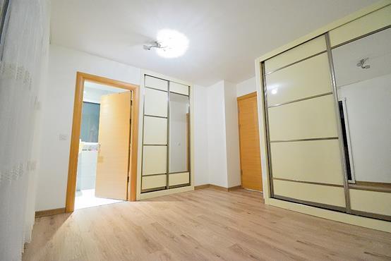 Maison à étage de 124 m² avec chambre et SDD au RDC - photo 4