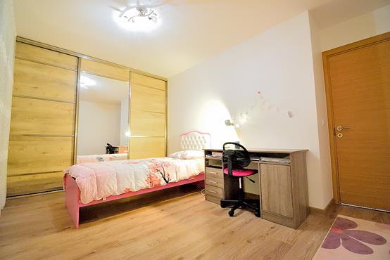 Maison à étage de 124 m² avec chambre et SDD au RDC - photo 7
