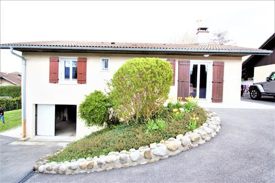Maison Plain-pied 90 m² SALES - photo 2
