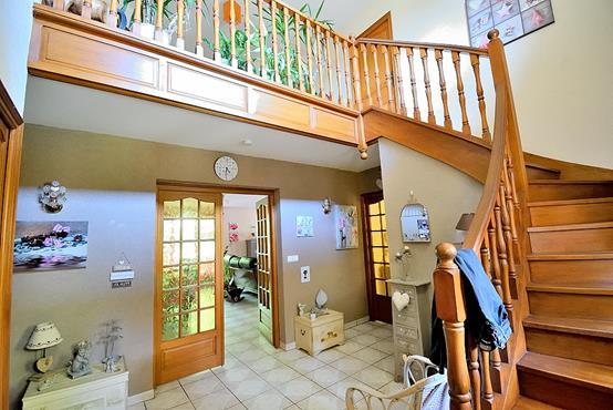 Maison traditionnelle sur sous-sol composée de 6 chambres - photo 4