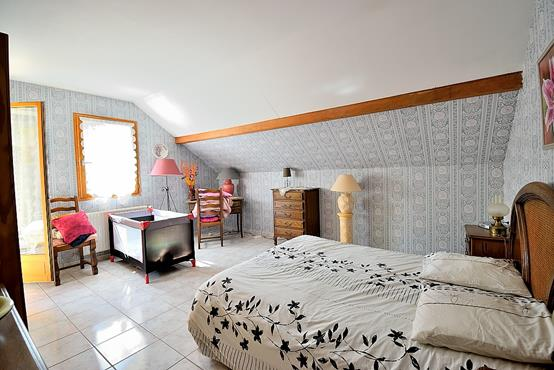 Maison traditionnelle sur sous-sol composée de 6 chambres - photo 10