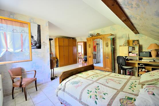 Maison traditionnelle sur sous-sol composée de 6 chambres - photo 12