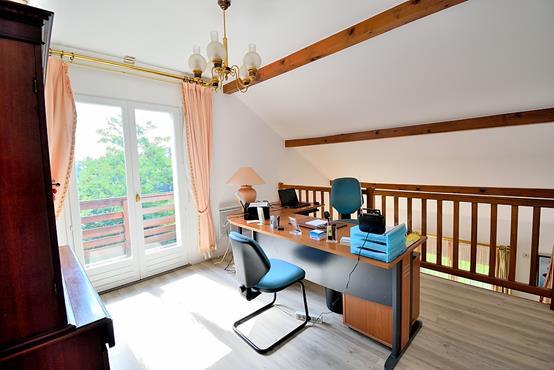 Maison individuelle 145m² sur 1.100m² de terrain constructible avec chambre et SDB en RDC - photo 7