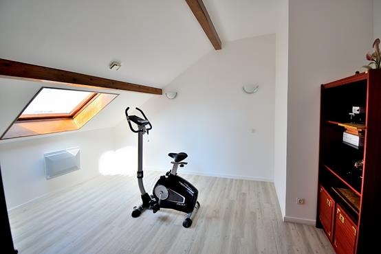 Maison individuelle 145m² sur 1.100m² de terrain constructible avec chambre et SDB en RDC - photo 9