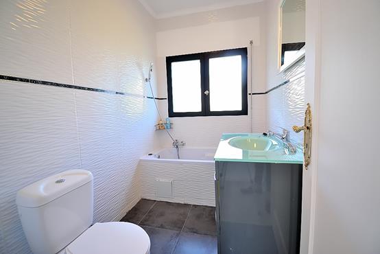 Maison individuelle 145m² sur 1.100m² de terrain constructible avec chambre et SDB en RDC - photo 11