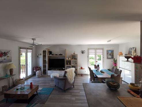 Maison 93 m² sur sous-sol bâtie sur 1350 m² de terrain entièrement rénovée - photo 3