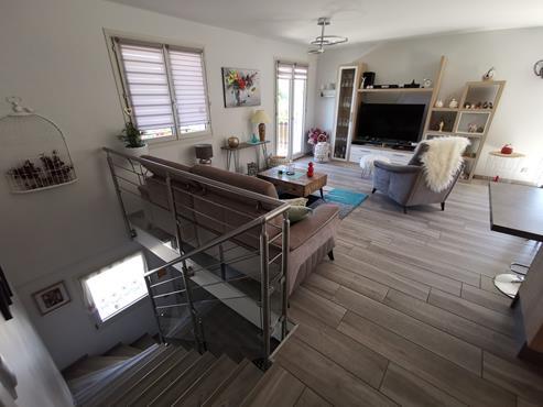 Maison 93 m² sur sous-sol bâtie sur 1350 m² de terrain entièrement rénovée - photo 4