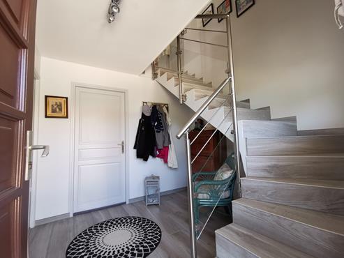 Maison 93 m² sur sous-sol bâtie sur 1350 m² de terrain entièrement rénovée - photo 10