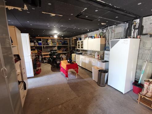 Maison 93 m² sur sous-sol bâtie sur 1350 m² de terrain entièrement rénovée - photo 11