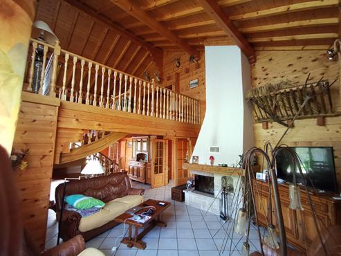 CHALET en madrier de 266 m² avec terrain de 1900 m² à CHALLONGES - photo 6