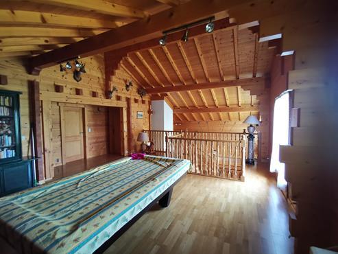 CHALET en madrier de 266 m² avec terrain de 1900 m² à CHALLONGES - photo 9