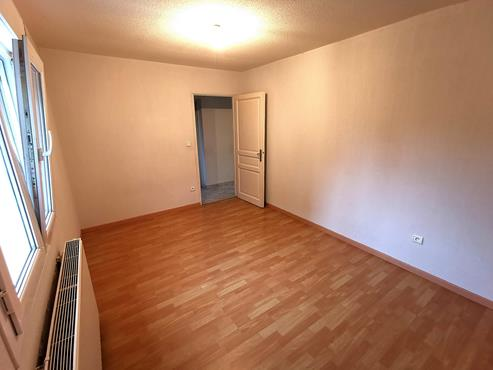 Appartement T3 de 75m² en Rez-De-Jardin proche centre ville - photo 3