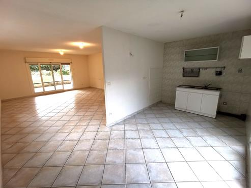 Appartement T3 de 75m² en Rez-De-Jardin proche centre ville - photo 1